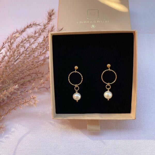 Kolczyki ze srebra z kółeczkami i perłą2